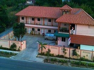 瓦塔纳山度假村