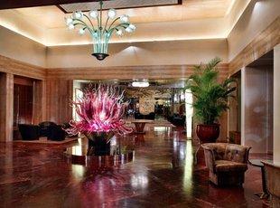 鲍尔宫殿旅馆