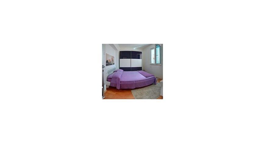 阿布扎比紫檀木酒店
