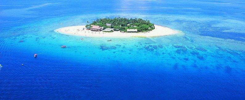 比奇科默岛度假酒店(beachcomber island resort)