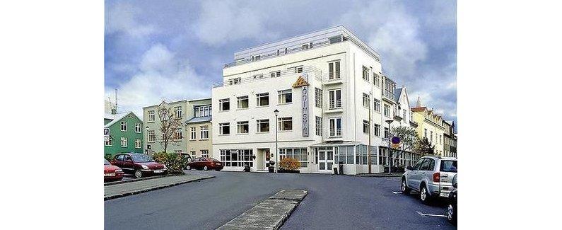 酒店位置 住在奥丁斯维酒店,您将身处雷克雅未克的中心区,距离Asgrimur Jonsson Collection仅几步之遥,而且只需几分钟便能到达哈尔格林姆教堂。 该 4 星级酒店紧邻埃纳尔琼森博物馆及雷克雅未克自由教堂。 客房 酒店的 50 间客房定能让您在旅途中找到家的舒适。您的精选舒适床垫卧床备有埃及棉床单。免费无线上网让您与朋友保持联系;卫星节目可满足您的娱乐需求。私人浴室提供免费洗浴用品和吹风机。 设施 您可利用免费无线上网、礼宾服务和酒店内购物等便利服务和设施。借助收费的区内班车,您可方便前