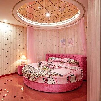 万爱情侣主题酒店(盘龙区汇都国际店)图片0
