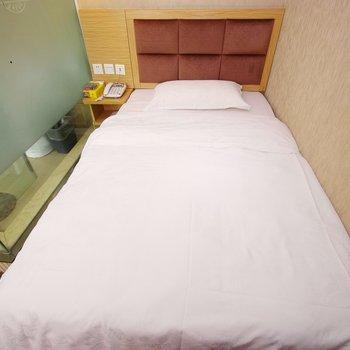 速8酒店(宜宾翠屏天桥店)