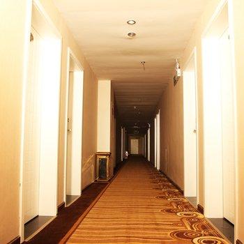 泸州雪梨树主题酒店