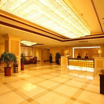 哈尔滨俊朗中央大酒店酒店预订