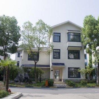 武汉华中科技大学东校区-远程与继续教育学院附近