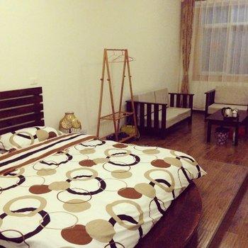 大理木门精品主题大床房图片15