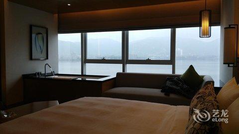 【黄石托尼洛兰博基尼酒店】地址:团城山开发区广会