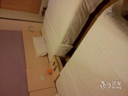 【7天连锁酒店(广州动物园地铁站店)】地址:越秀区环
