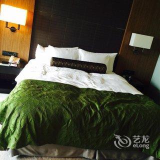 【上海滴水湖皇冠假日酒店】地址:浦东新区临港新城