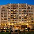 北京丽思卡尔顿酒店(华贸中心)外观图