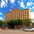 东方唐古拉大酒店外观图