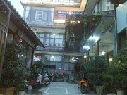 Dali simple double gallery inn