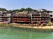 Fengxiang Jiangbianlou Inn
