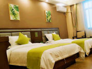 景谷芳庭假日酒店