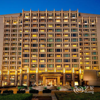 北京丽思卡尔顿酒店(华贸中心)