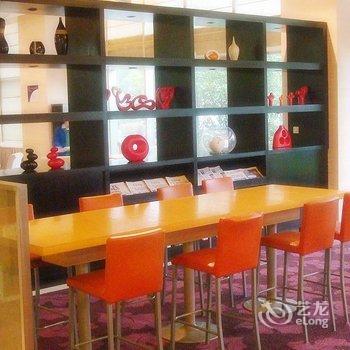 上海梅陇绿地铂派酒店