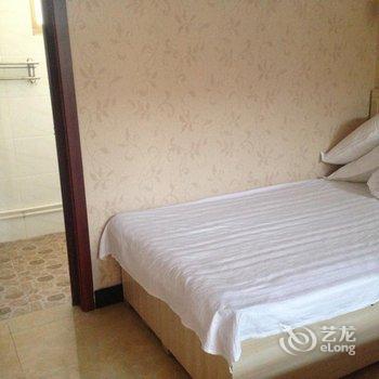 北京雾灵西峰钱小娟农家院-西石虎附近酒店