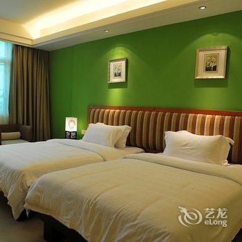 会员7989评论肇庆星湖玉兰花酒店:房间比较旧,冲凉房的