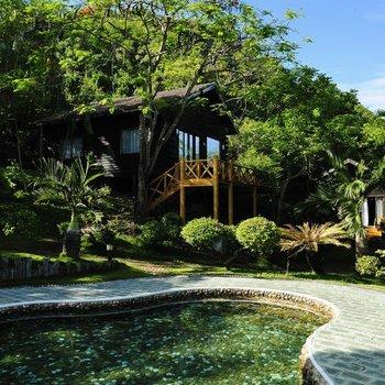三亚蜈支洲岛珊瑚酒店木屋