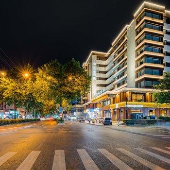 杭州西湖河坊街亚朵酒店
