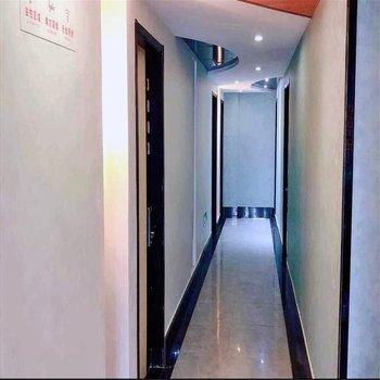 怡莱酒店(宁波天一广场鼓楼店)