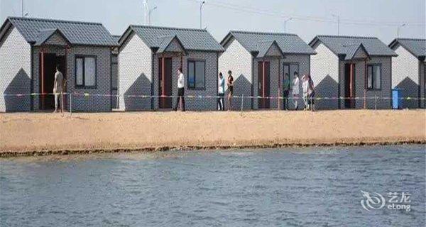 绥中东戴河沙滩海景木屋