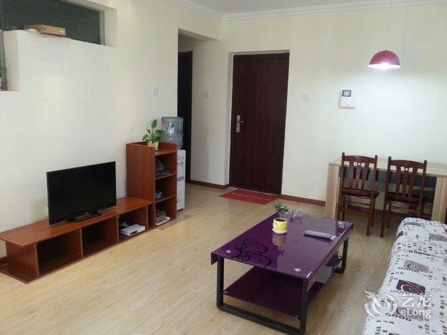 酒店 青岛市酒店  青岛金沙滩温馨度假公寓   精装海景房两室两厅