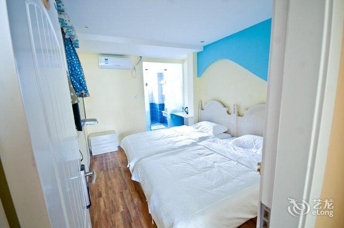 背景墙 房间 家居 起居室 设计 卧室 卧室装修 现代 装修 707_470