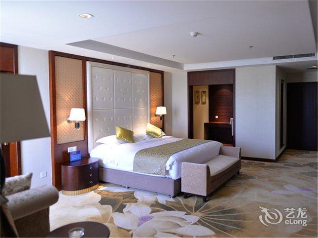 【 北京隆鹤国际温泉酒店】婚宴场地布置图片_婚礼布置,图片尺寸:800