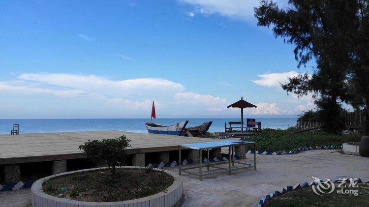 酒店 涠洲岛酒店  涠洲岛黄金海岸沙滩度假木屋   小艺正在努力为您