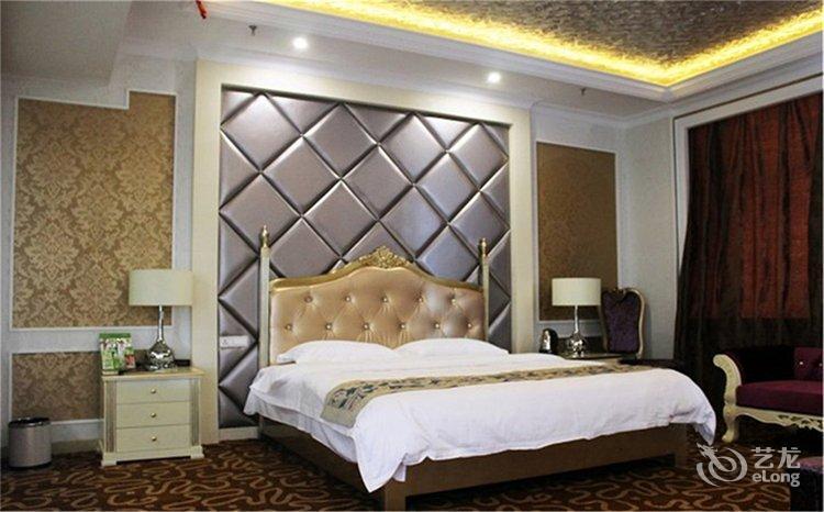 背景墙 床 房间 家居 家具 设计 卧室 卧室装修 现代 装修 750_466