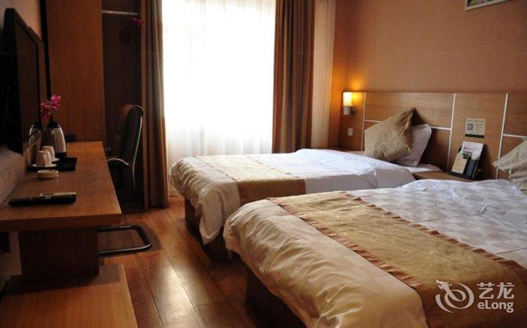 背景墙 房间 家居 酒店 设计 卧室 卧室装修 现代 装修 754_470