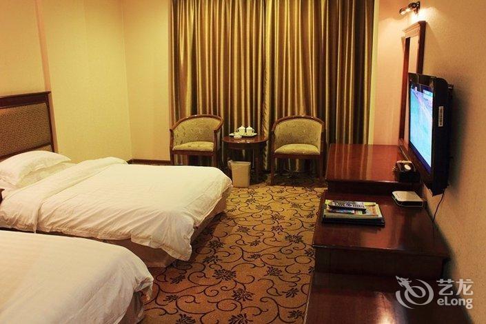 旅游大酒店