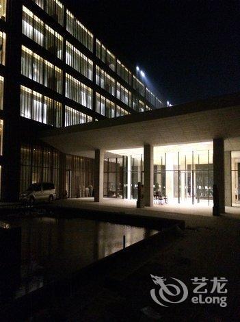 青岛经济技术开发区九龙山路