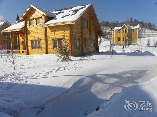 【亚布力木屋别墅】地址:亚布力滑雪度假区青云小镇