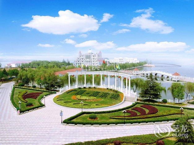 Holiday Inn Wuhan Riverside Hotel by IHG