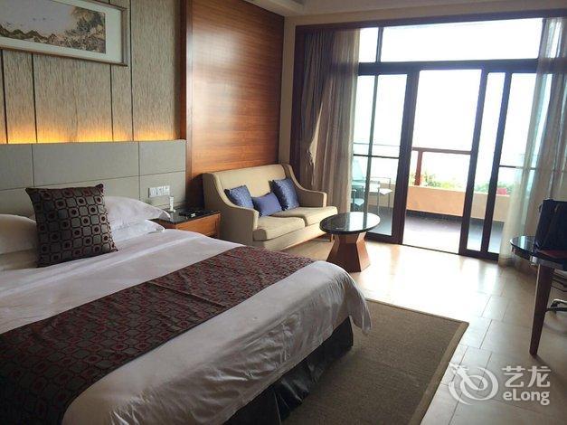 沙滩温泉酒店   一般有点远也有点乱,下次不考虑了 酒店回复豪华海景