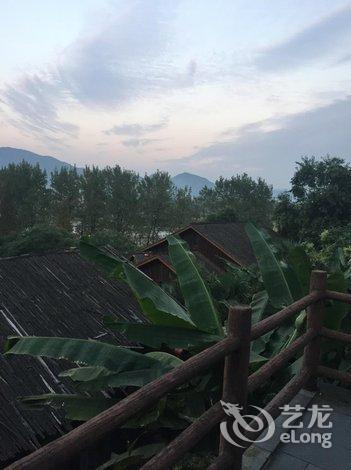 桐庐红灯笼小木屋度假村