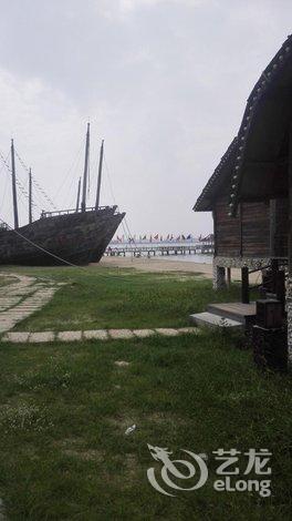 酒店 湛江市酒店  湛江特呈渔岛度假村   酒店回复沙滩海景双床房