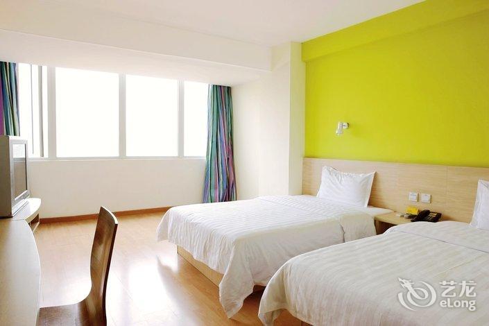 7 Days Hotel Chengdu New Convention Center Branch Booking No 669 Tianfu 2nd Street High