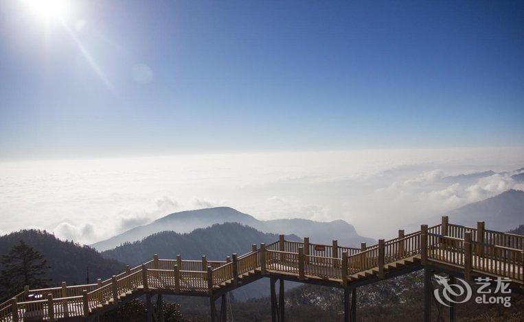 【西岭雪山映雪酒店】地址:大邑县(西岭雪山风景区