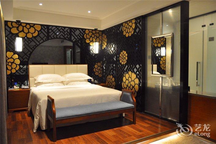 【蜀南竹海月亮半岛主题酒店】地址:温州商城888号 –