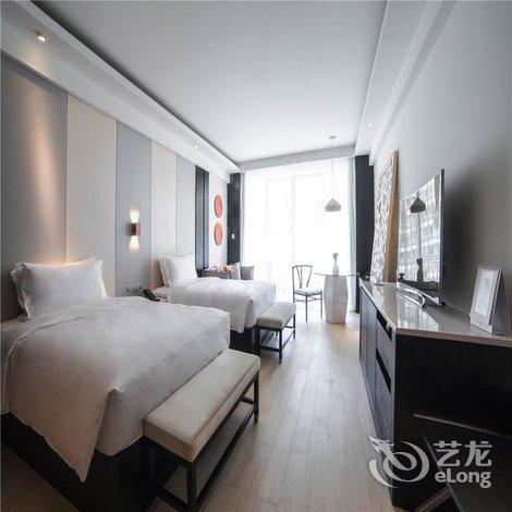 【三亚华宇亚龙湾迎宾馆】地址:海南省三亚市亚龙湾