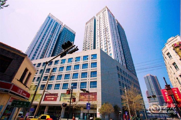 【青岛鲁能领寓海景公寓】地址:北京路27号