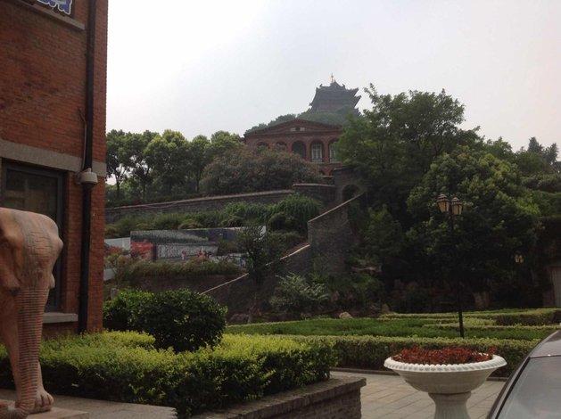 镇江雅狮度假精品酒店地址:润州区迎江路43号