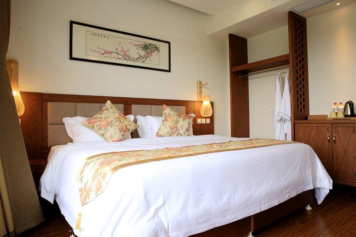 背景墙 房间 家居 酒店 设计 卧室 卧室装修 现代 装修 705_470