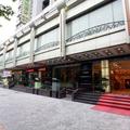 Xinjinjiang Business and Travel Hotel