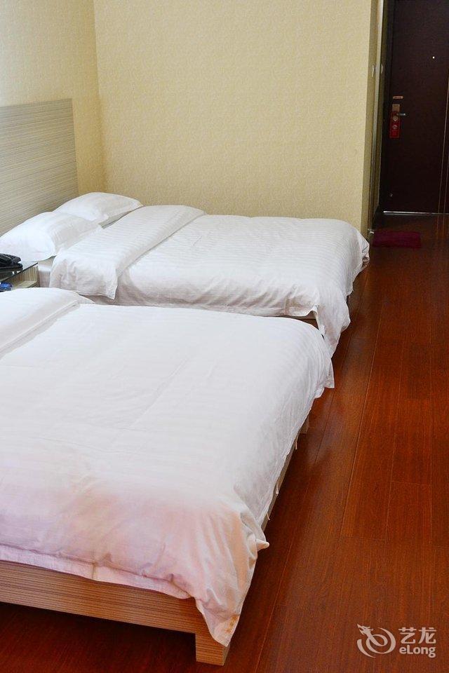 南宁客安居大酒店商务双床房