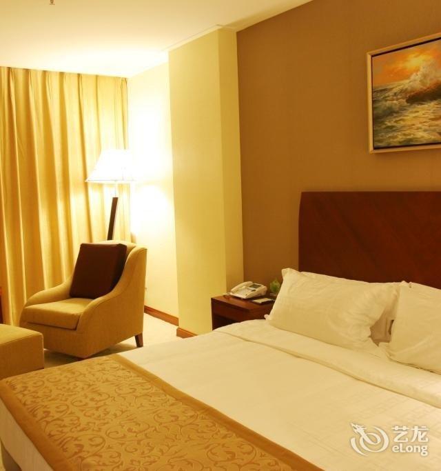 青岛鹰谷名人酒店(原青岛鹰谷万雍酒店)  客房 豪华双人间 高级双床房